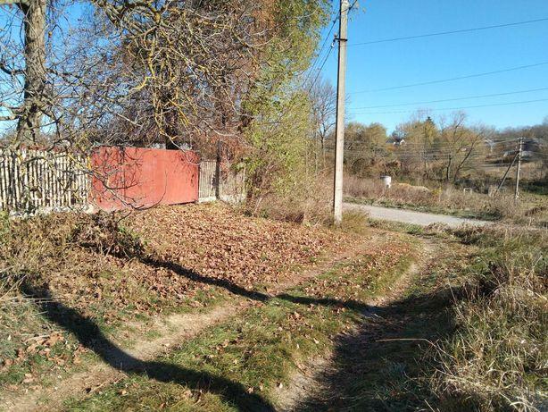 Продається земельна ділянка в Хижинцях