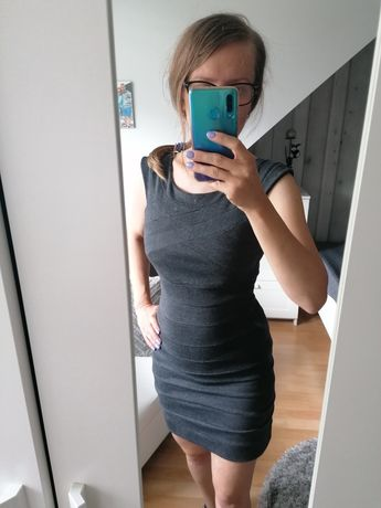 Bandażowa sukienka.