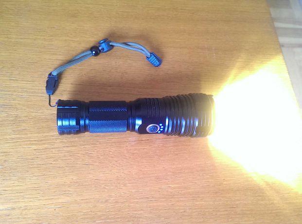 Absolutnie najmocniejsza latarka dostępna na rynku z diodą XHP70.2