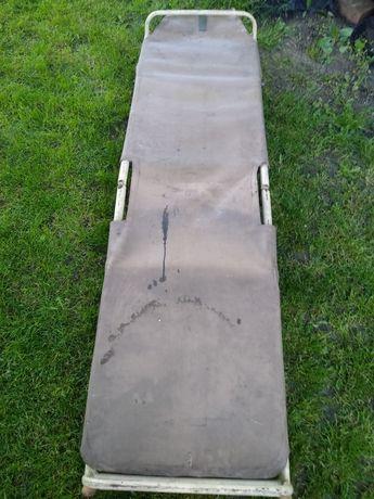 lozko wojskowe  metalowo brezentowe  solidne  ciezkie uzywane