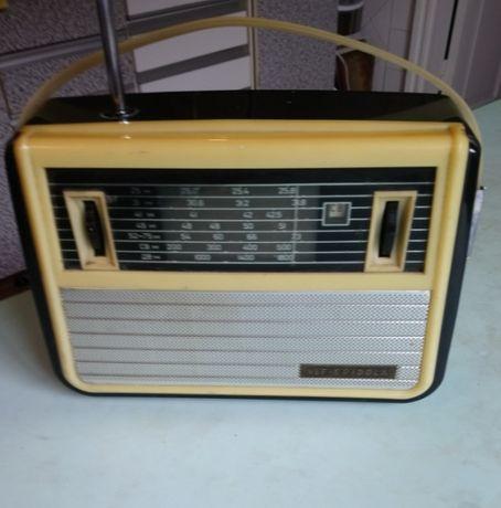 Радиоприемник VEF Spidola, 1964 года