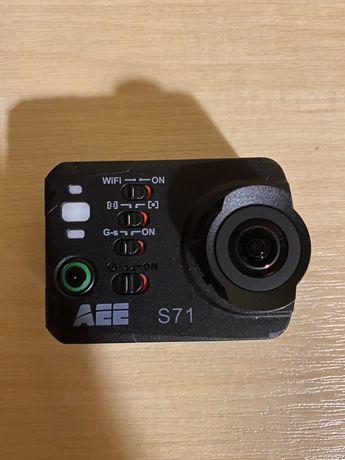 Kamera sportowa Aee S71T z mnóstwem akcesorii