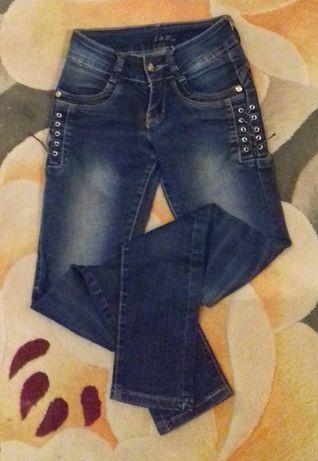 Классные джинсы на девочку лет 10-11