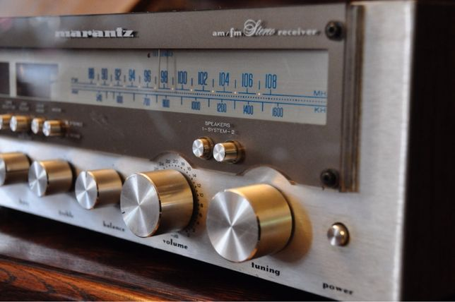 Marantz MR 215 amplituner.