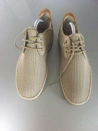 Sapatos de verao novos