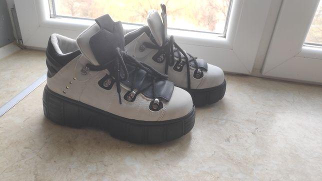 Черевики на платформі, кросовки, ботинки деми