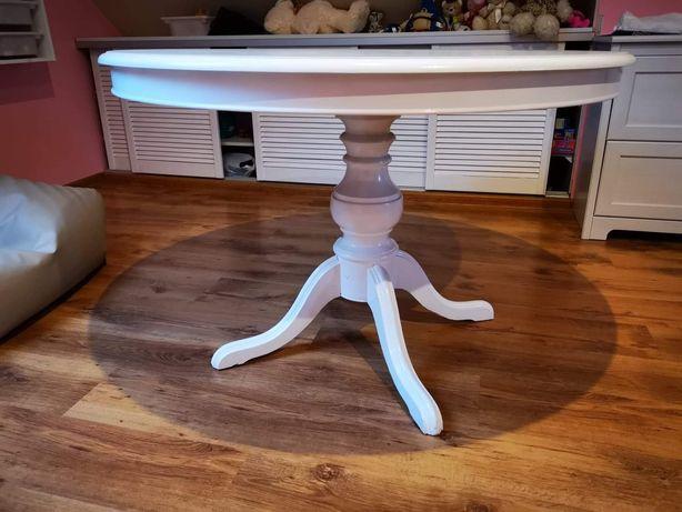 Stół w całości z drewna