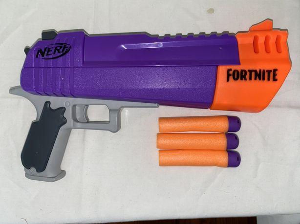Nerf Fortnite Hasbro с патронами. Б/у.