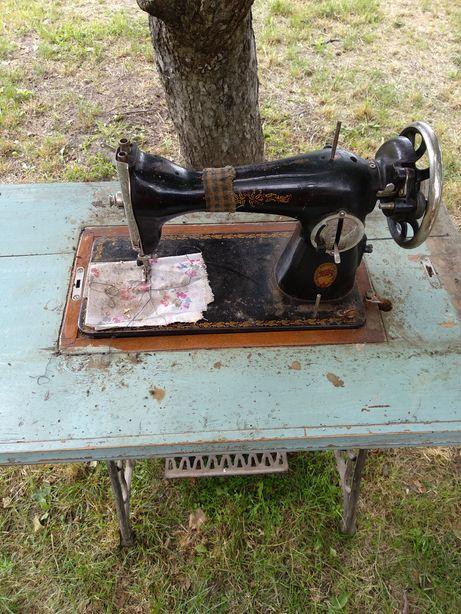 Швейная машинка Подолянка