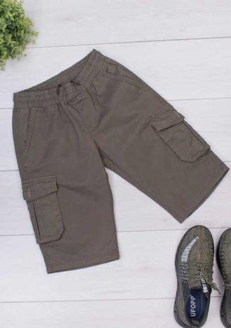 шорты-карго цвета хаки с накладными карманами