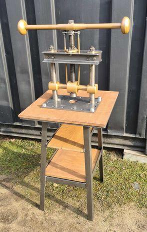 Prasa balansowa ze stojakiem