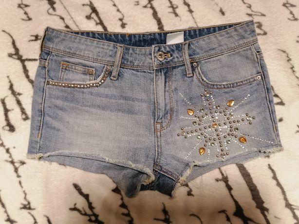 Spodenki firmy H&m w rozmiarze 34/XS, jeansy, niebieskie, cekiny