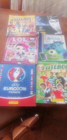 Caderneta de cromos de futebol
