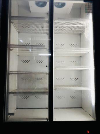 Двухдверный холодильник витрина