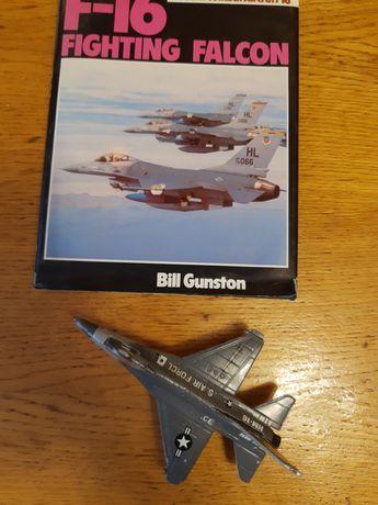 Книга и модель самолёта самолёт F-16 Fighting Falcon