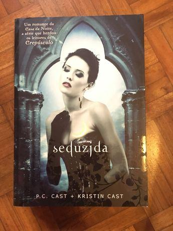 Livro Seduzida de P.C. Cast + Kristin Cast