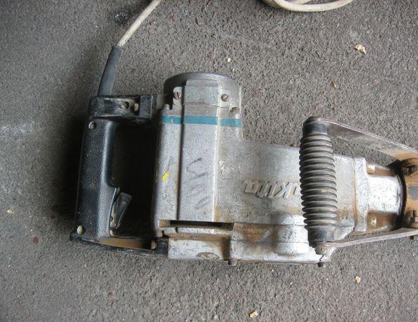 Отбойный молоток Makita HM 1307 C
