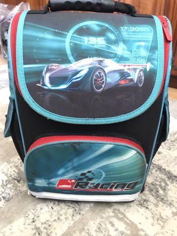 Рюкзак трансформер kite 1-4 клас в подарунок пенал цієі ж фірми