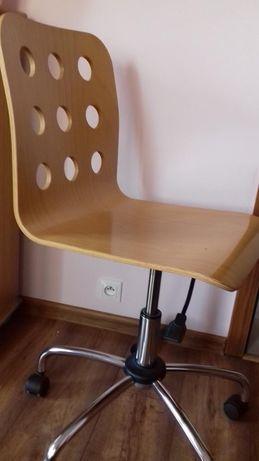 krzesło z regulowana wysokością na kółkach