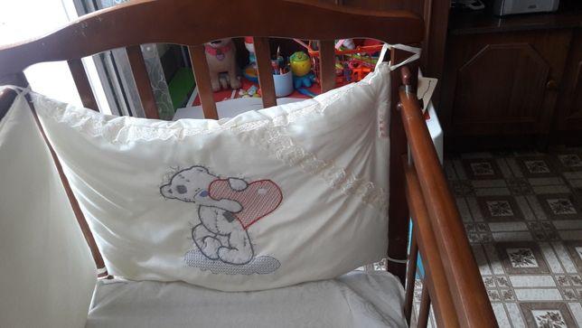 Дитяча кроватка зручна