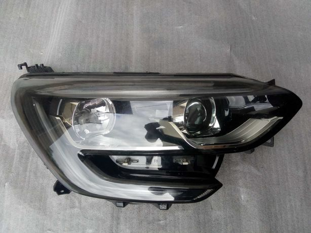 Renault Megane IV Reflektor, lampa prawy przód soczewka + LED