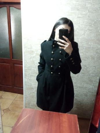 Пальто кашемир в отличном состоянии. Покупали в Турции