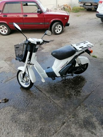 Продам скутер SUZUKI MOLLET