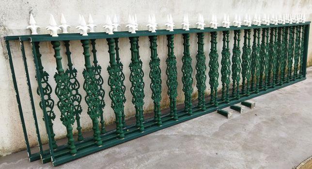 Vedações em alumínio lacado verde