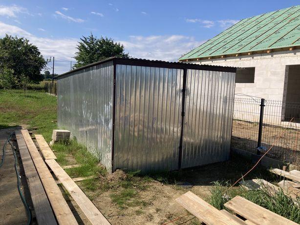Garaż blaszany na budowę
