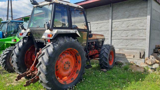 Ciągnik rolniczy Case 1690