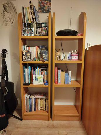 Conjunto de 2 estantes em madeira para livros. Em bom estado