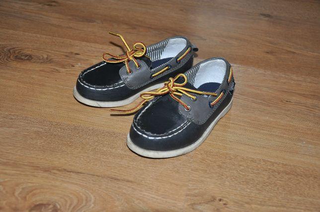 Туфли для мальчика Oshkosh отличное состояние р. 8