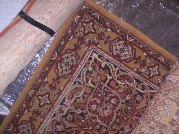 ковры чистошерстяные и др канцтовары