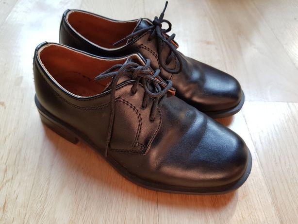 czarne buty garniturowe chłopięce dziecięce falcon 28 komunujne