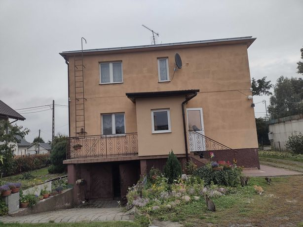 Sprzedam dom piętrowy
