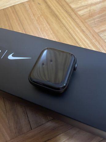 Apple Watch NIKE Series 5 44mm + Garantia