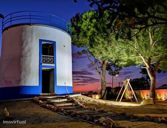 Casa Rústica e Moinho em lote 1400 m2, Paio Pires, Seixal