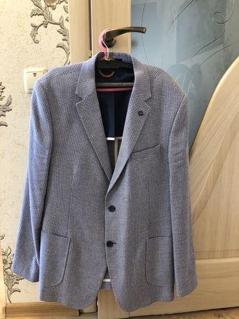 Стильный мужской пиджак фирмы Mennsler