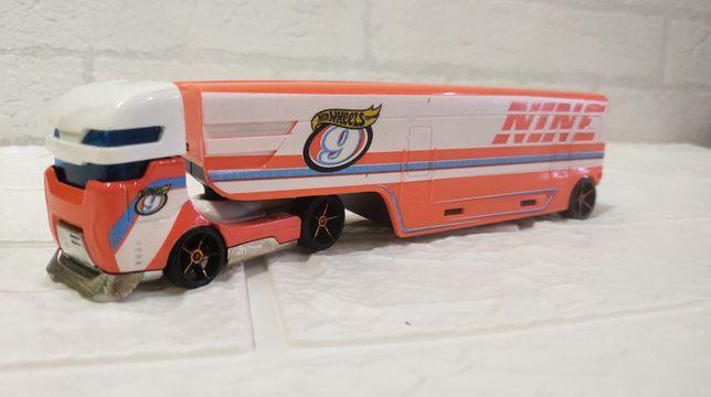 Hot Wheels Speedway Hauler тягач, грузовик,трейлер,автовоз.