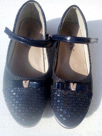 Підліткові туфлі на дівчинку
