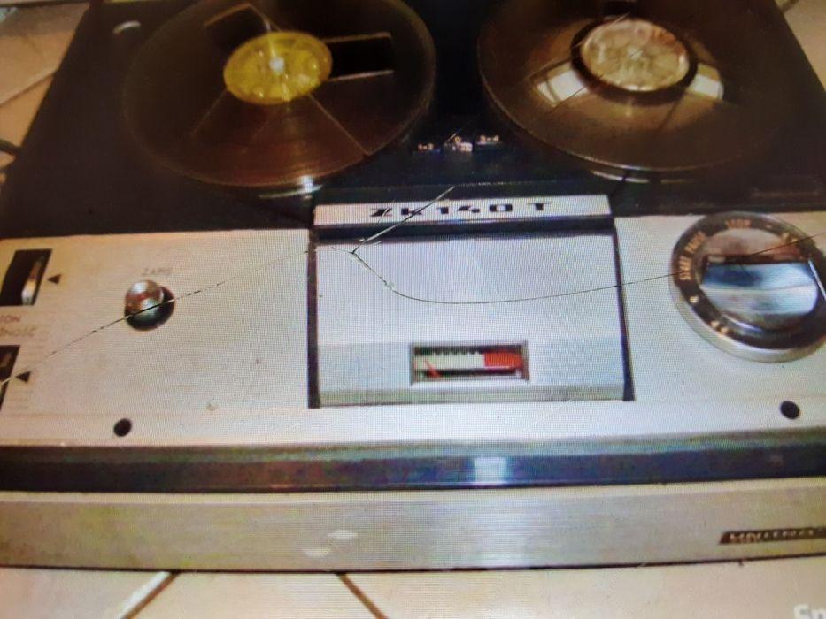 Sprzedam magnetofon szpulowy PRL Złotów - image 1