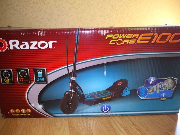 Новый електро самокат Razor Power Care E 100