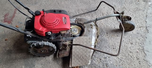 Kosiarka spalinowa Karczownica Honda Um536