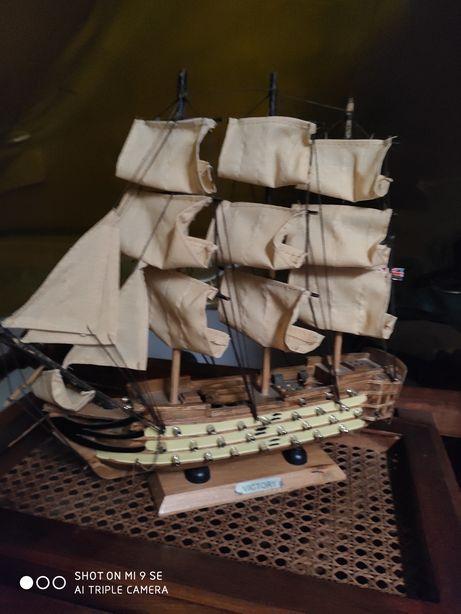 """Duży statek kolekcjonerski o nazwie """"Victoria"""""""