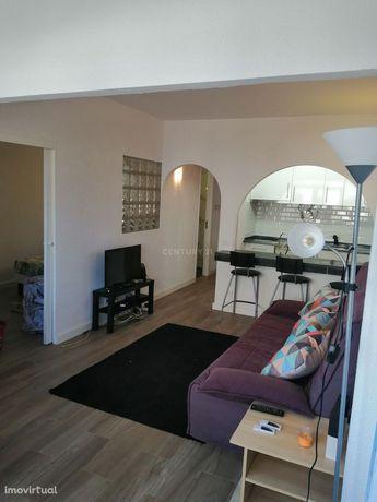 Apartamento T0 transformado em T1 remodelado, na famosa Torre das argo