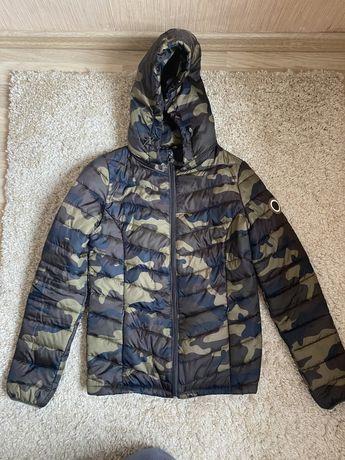 Демисезон женская куртка Cropp  haus reserved камуфляж