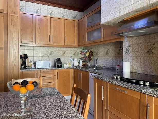 Apartamento de Tipologia T2 renovado, com arrecadação, lo...