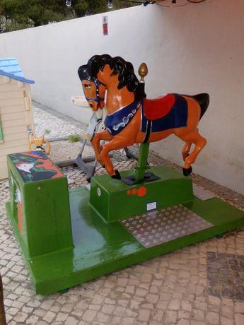 Balanceador/Diversão Infantil Cavalo.