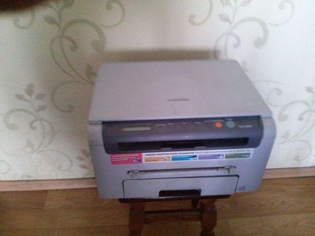 продаю принтер лазерный Samsung SCX4200