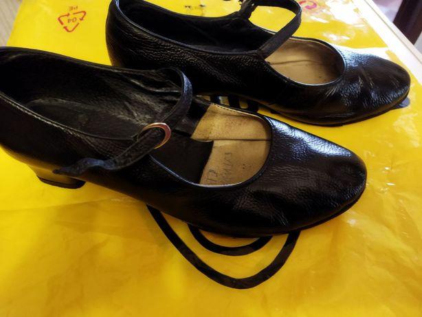 Кожаная танцевальная обувь